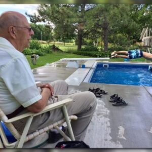 94-Year-Old Man Installs Pool for Neighborhood Kids to Help Him Cope with Grief