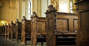 To The Woman Sitting Alone in Church, Please Stay www.herviewfromhome.com