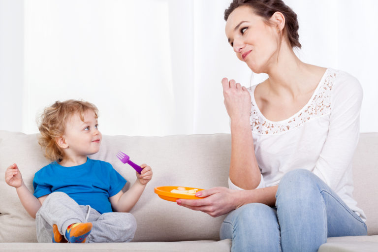 6 Reasons We Don't Eat at the Dinner Table www.herviewfromhome.com