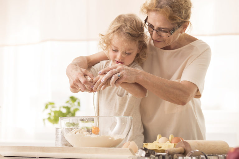 How to Navigate the Grandparent Relationship www.herviewfromhome.com