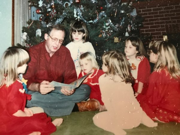 11 Traditions to Start With Your Family This Christmas! www.herviewfromhome.com