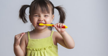 How I got my Toddler to Brush her Teeth www.herviewfromhome.com