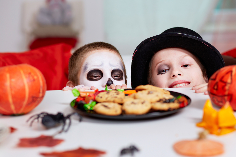 My Son's Peanut Allergy Makes Halloween Extra Scary www.herviewfromhome.com