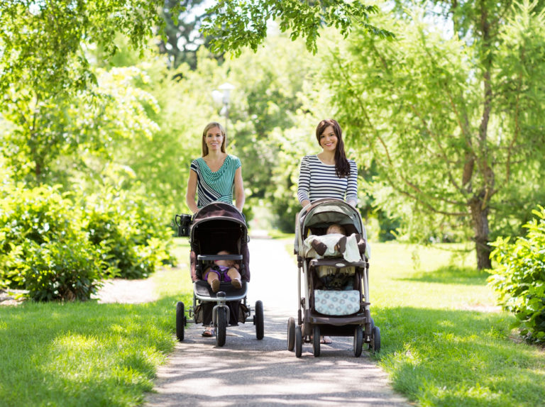 7 Ways To Be a Better Mom Friend www.herviewfromhome.com