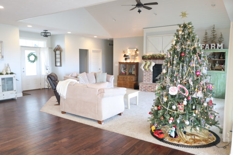 Back Off Scrooge, and Let Me Put My Christmas Decorations Up! www.herviewfromhome.com