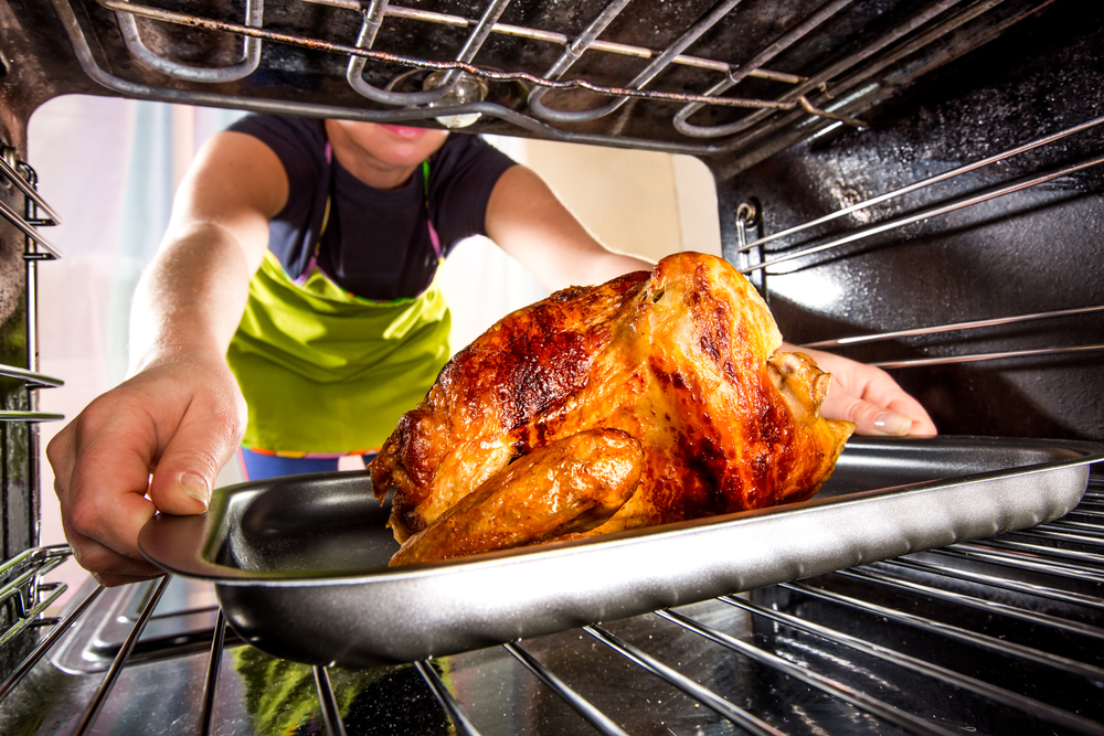 What The Dish You're Bringing to Thanksgiving Says About You www.herviewfromhome.com