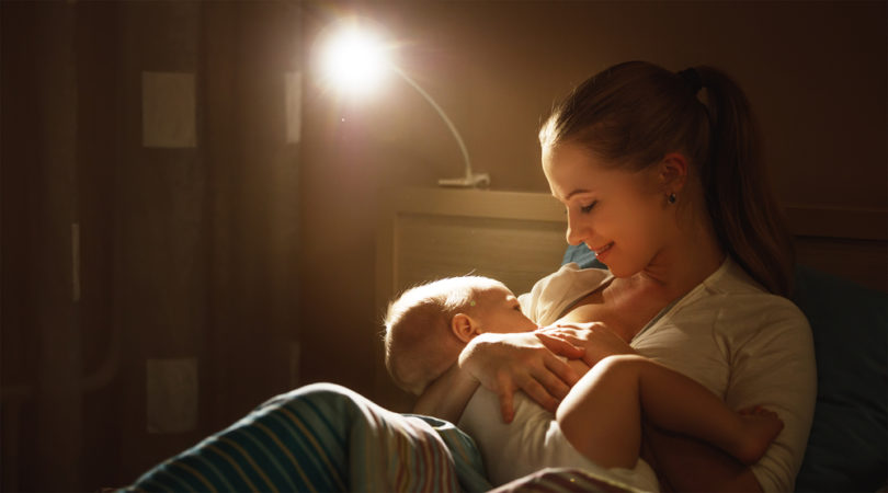 5 Ways Breastfeeding Moms can Pump More Milk www.herviewfromhome.com