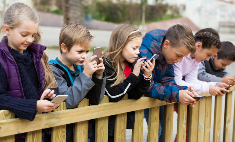 9 Tips to Start Your Kids Out Right on Social Media www.herviewfromhome.com