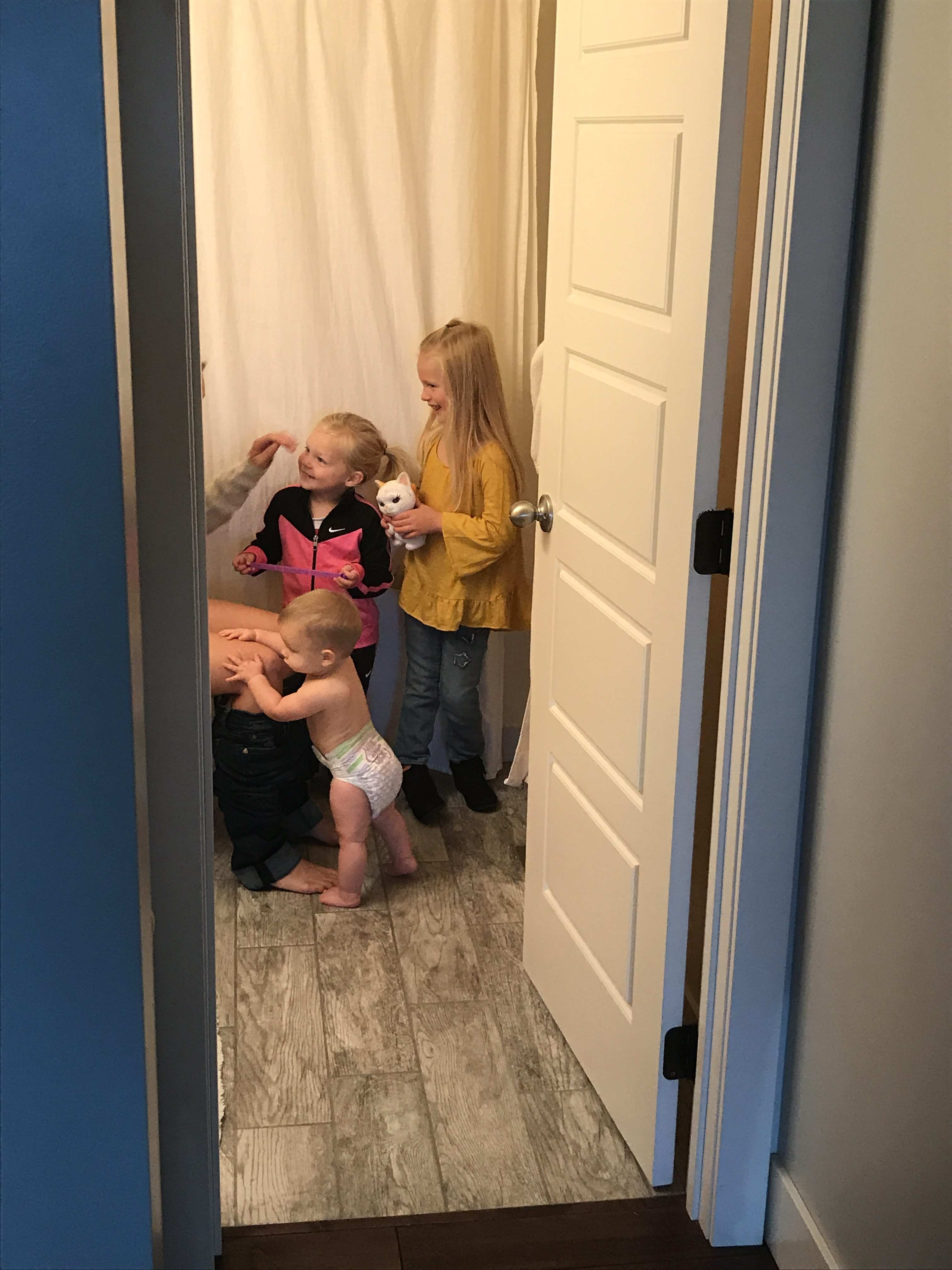 Pooping Alone, and Other Things Moms Aren't Allowed to do Without an Audience www.herviewfromhome.com