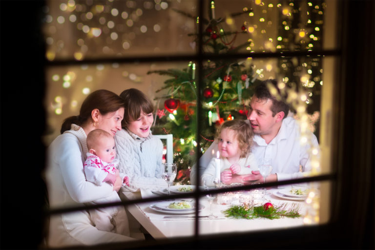 Christmas Blessings Around the Table www.herviewfromhome.com