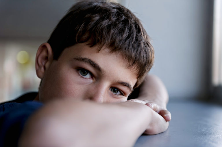 6 Strategies to Help Your Autistic Child Enjoy Christmastime www.herviewfromhome.com