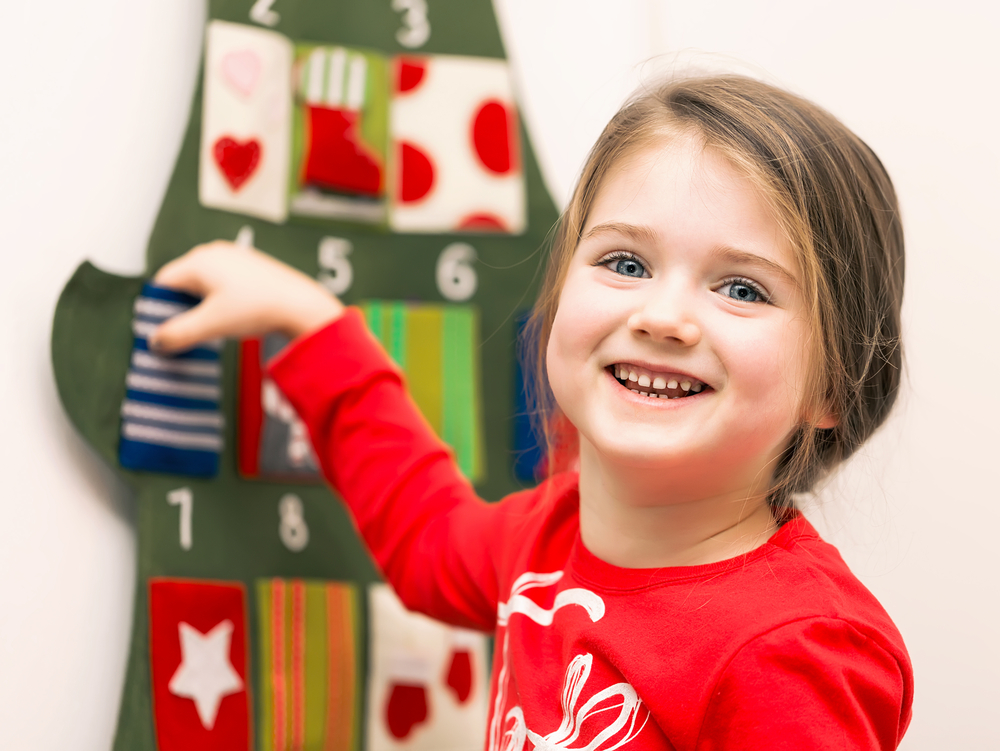 Nine Easy Ideas For a Family Advent Calendar www.herviewfromhome.com