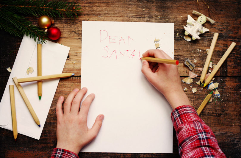 A Mom's Letter to Santa www.herviewfromhome.com