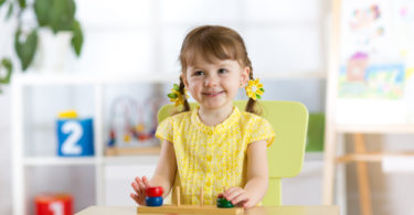 10 Very Montessori Gifts to Give Your Children This Christmas www.herviewfromhome.com