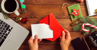 The Dreaded Christmas Letter www.herviewfromhome.com