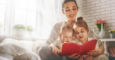 15 Habits of Parents Who Love Books www.herviewfromhome.com