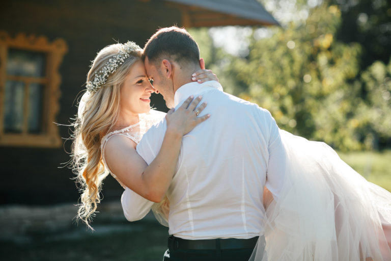 We Shouldn't Have Gotten Married, But I'm So Glad We Did www.herviewfromhome.com