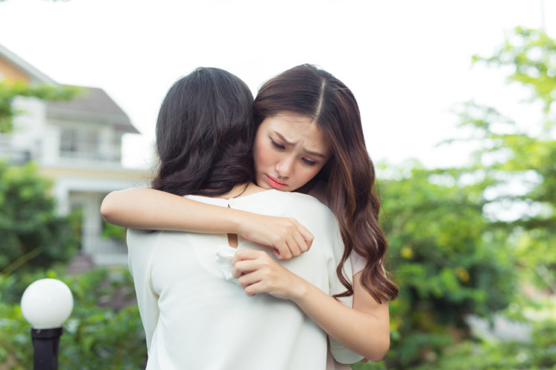 Talking Your Struggling Friend Off the Ledge (Because You've Been There, Too) www.herviewfromhome.com