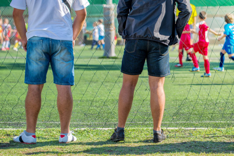 5 Commandments of Not Being a Jerk at Your Kid's Sporting Events www.herviewfromhome.com