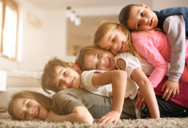 4 Things Big Families Do That Make Them Awesome www.herviewfromhome.com
