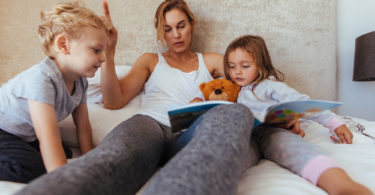 How to Put Your Children to Bed in 46 Easy Steps www.herviewfromhome.com