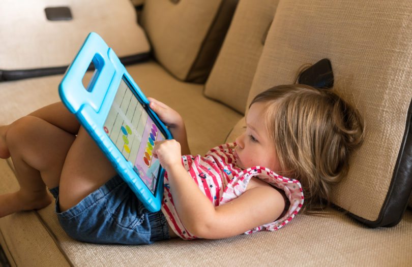 My Kids Don't Have Electronics and I Don't Regret It www.herviewfromhome.com