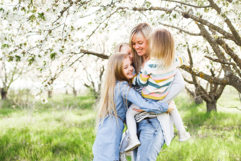 Dear Kids, Raising You is Hard, But It's The Best Thing I've Ever Done www.herviewfromhome.com