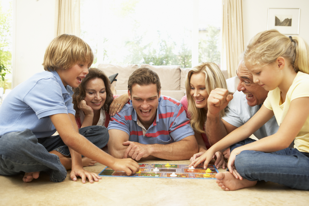 10 Great Family Board Games to Play With Kids Under 8 www.herviewfromhome.com