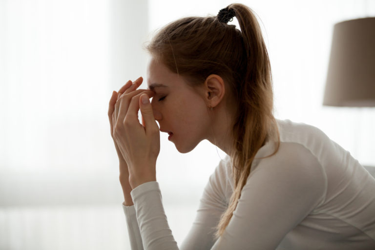 Battling the Sting of Toxic Relatives: Why Our Kids Need Us to Show Them How www.herviewfromhome.com