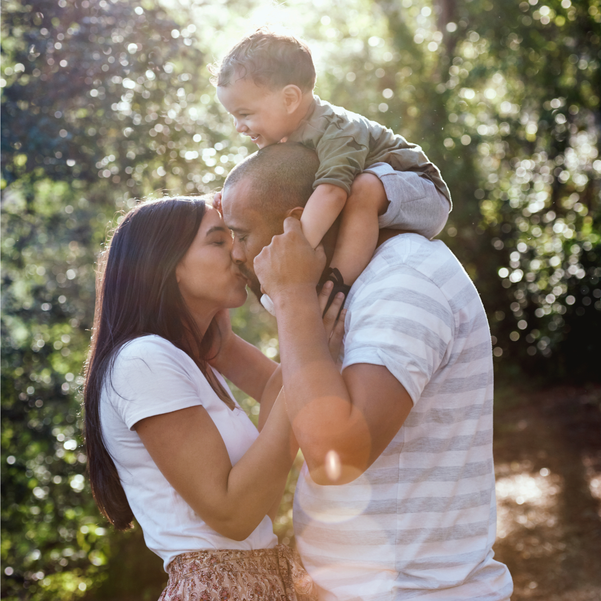 husband and wife with child www.herviewfromhome.com