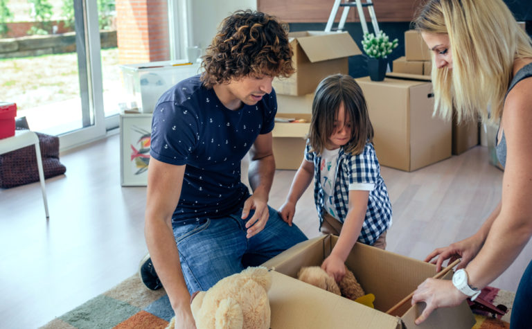 family decluttering www.herviewfromhome.com