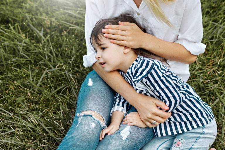 To the Working Mom When All You Feel is Guilt www.herviewfromhome.com