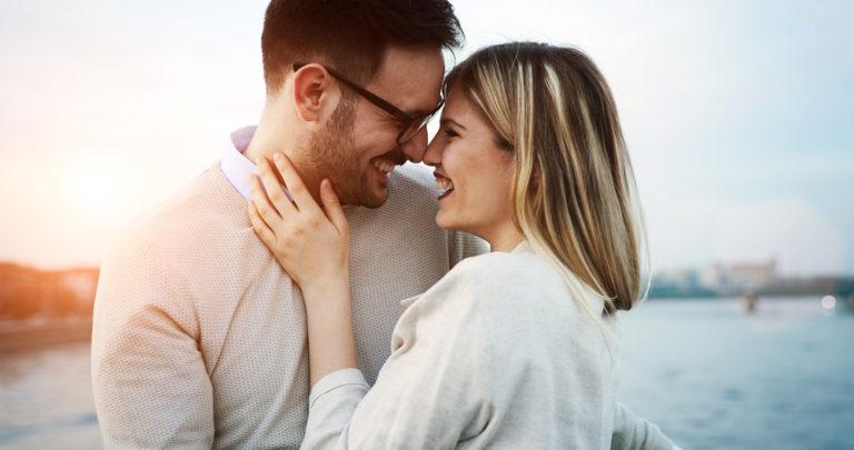 happy couple www.herviewfromhome.com