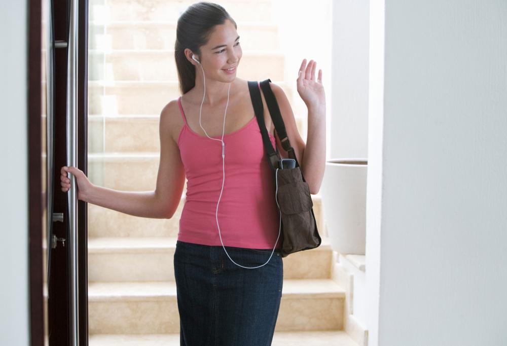 teen girl leaving home www.herviewfromhome.com