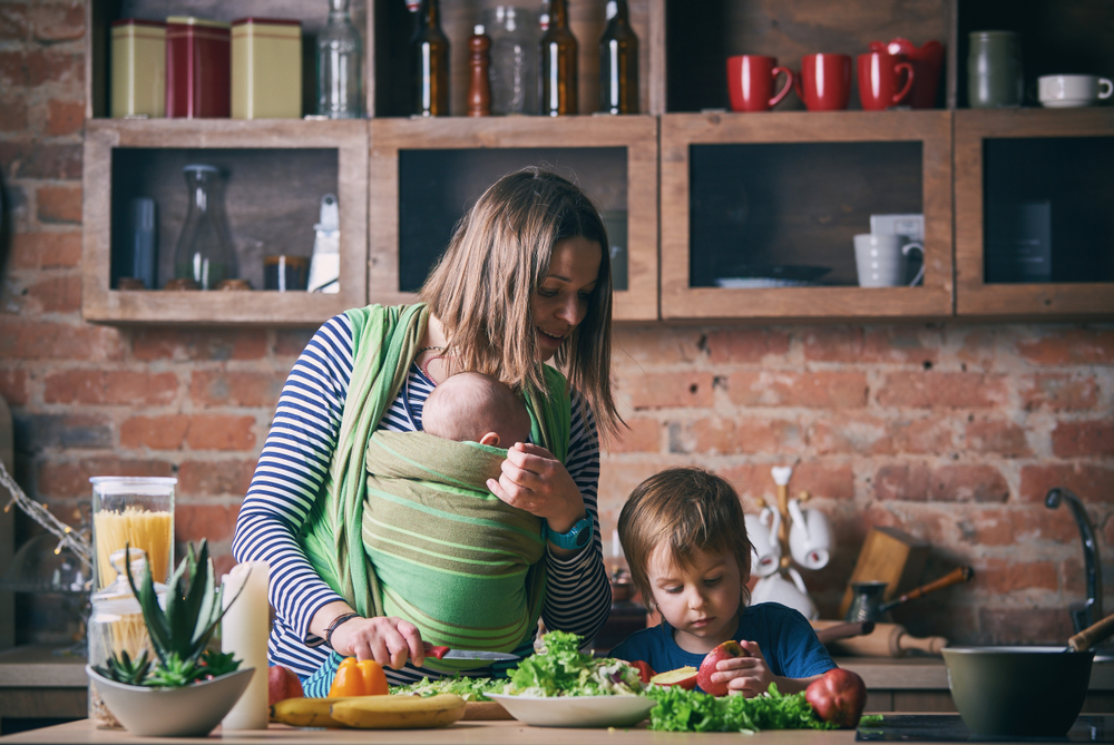 busy mom at home www.herviewfromhome.com