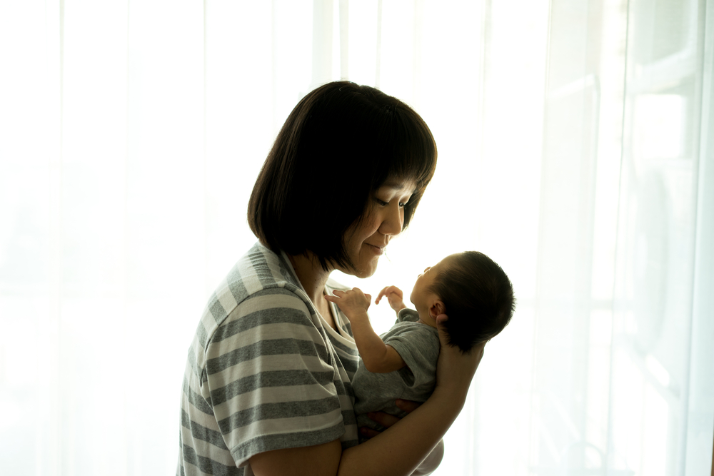 mother and newborn love www.herviewfromhome.com