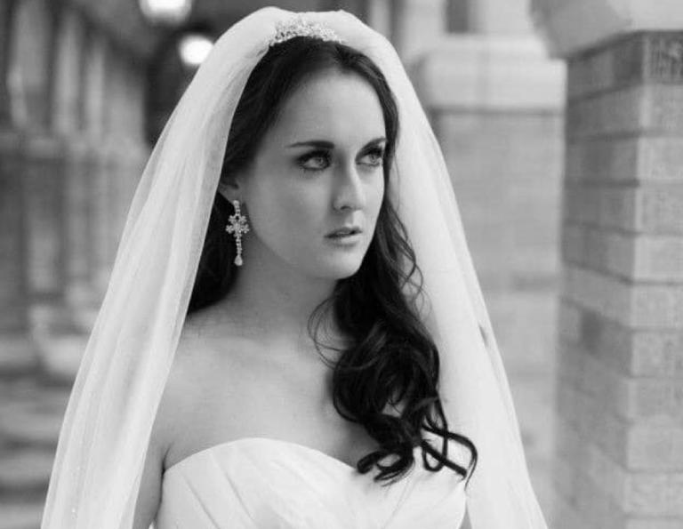 Arianna Freelen bridal portrait