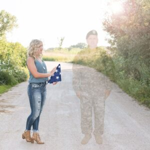 Nebraska Teen Honors Fallen Soldier Dad in Senior Pictures