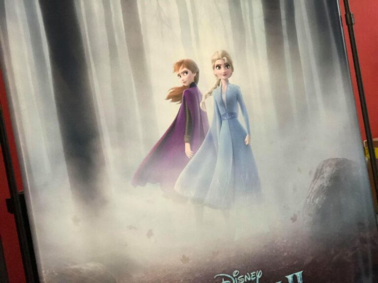 Frozen 2, Anna and Elsa