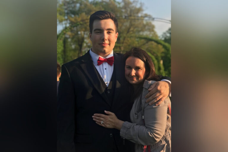 Mom with senior son prom