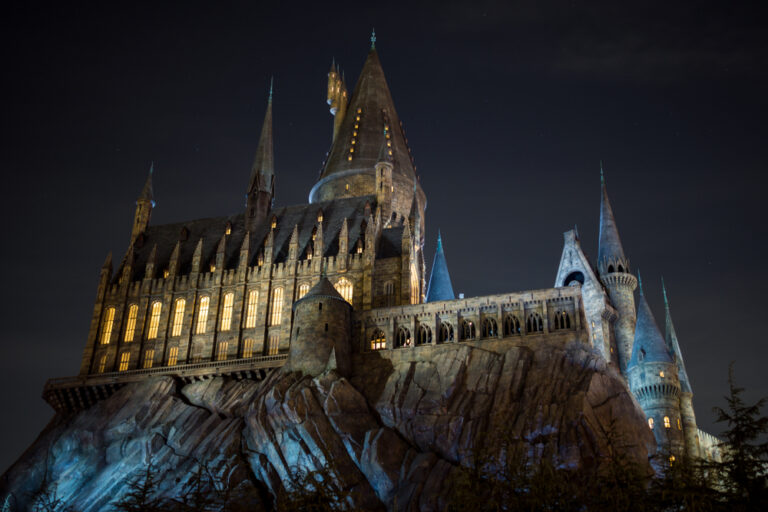 Hogwarts Harry Potter castle at night