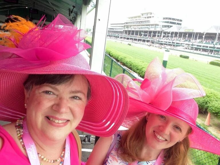 Mom and daughter at Kentucky Derby