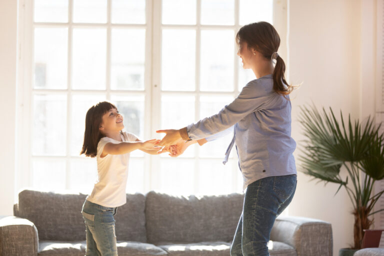 Mother daughter dance at home