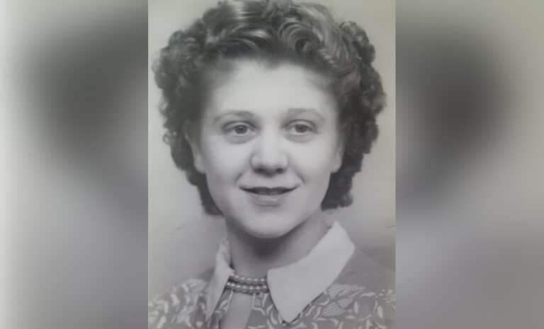 Photo of smiling woman, black and white
