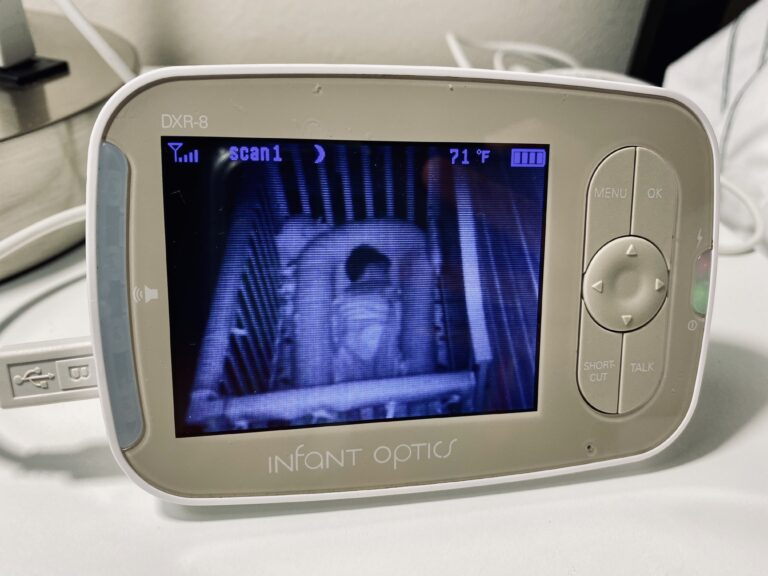 Video baby monitor, color photo