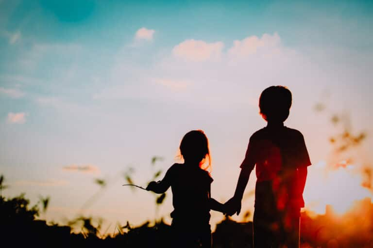 Two kids in sunet